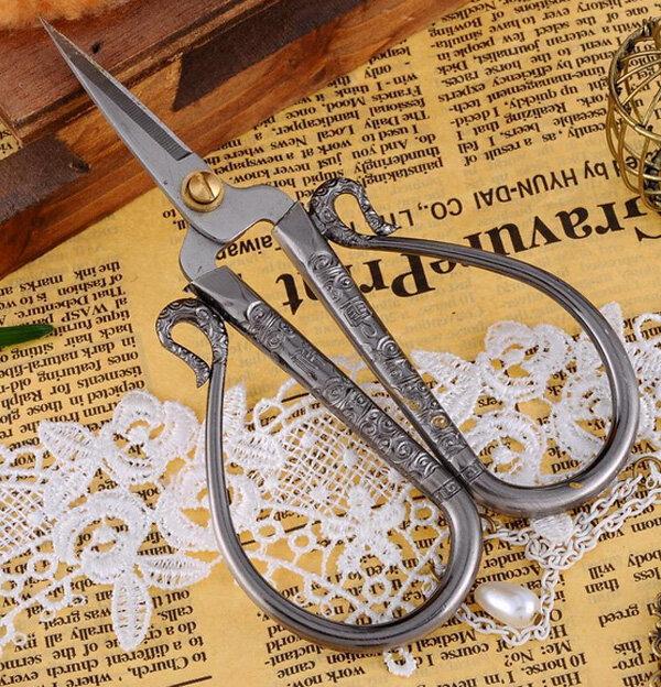 Lavoro d'artigianato in acciaio inossidabile DIY di ricamo del punto del croce dell'annata europea Cesoia di cucire