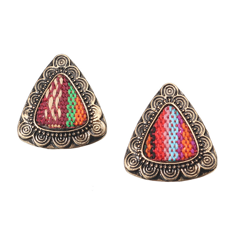 Retro Ethnic Colorful Cloth Triangle Alloy Ear Stud Femmes Boucles d'oreilles