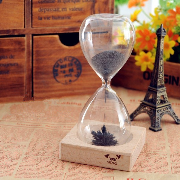 274ecaa8f970e Iron Powder Magnet Hourglass With Wooden Holder Dsek Toy - US 10.86
