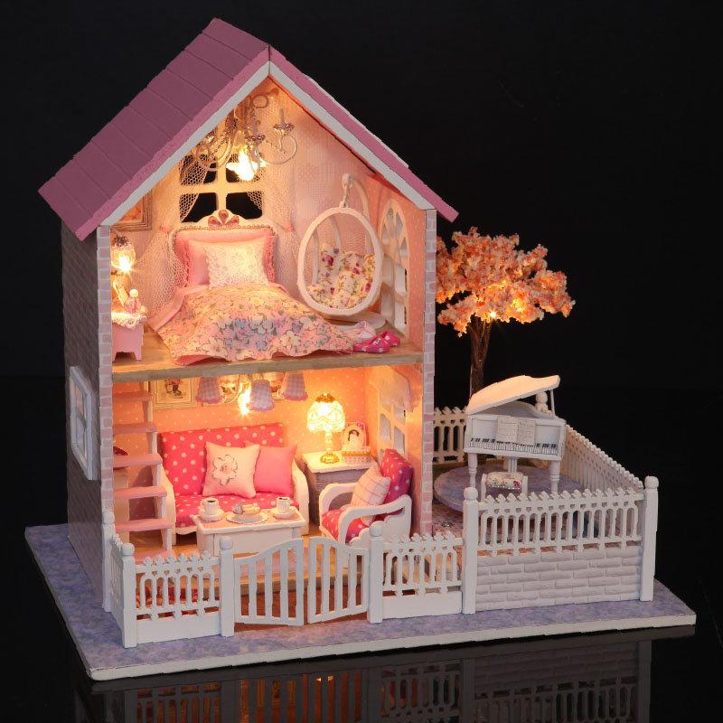Cuteroom 1/24 Dollhouse de madera de cerezo rosa modelo de decoraciones hechas a mano diy con LED la luz y la música de cumpleaños