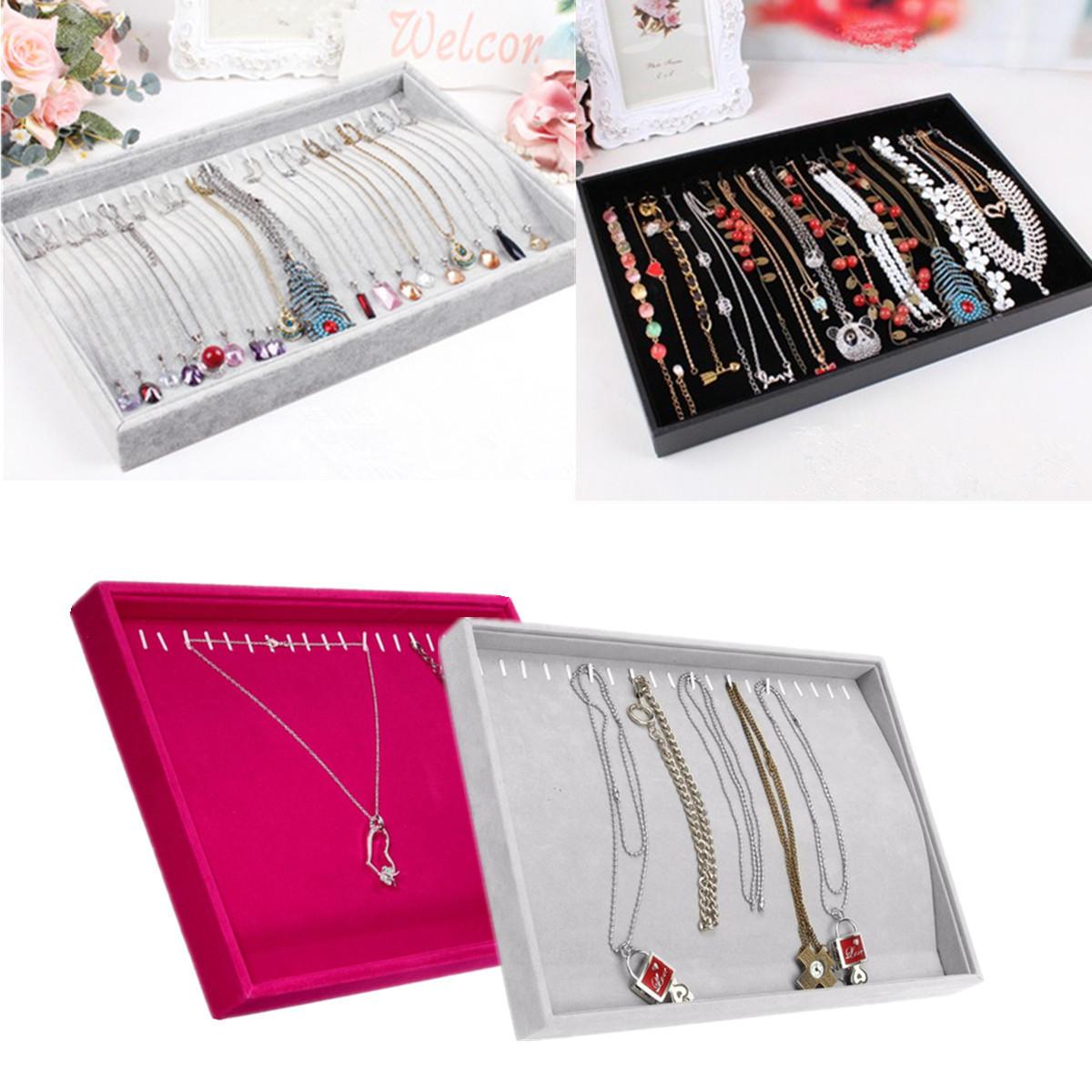 Le collier de velours a courbé le support de stockage de vitrine de stockage de bijoux