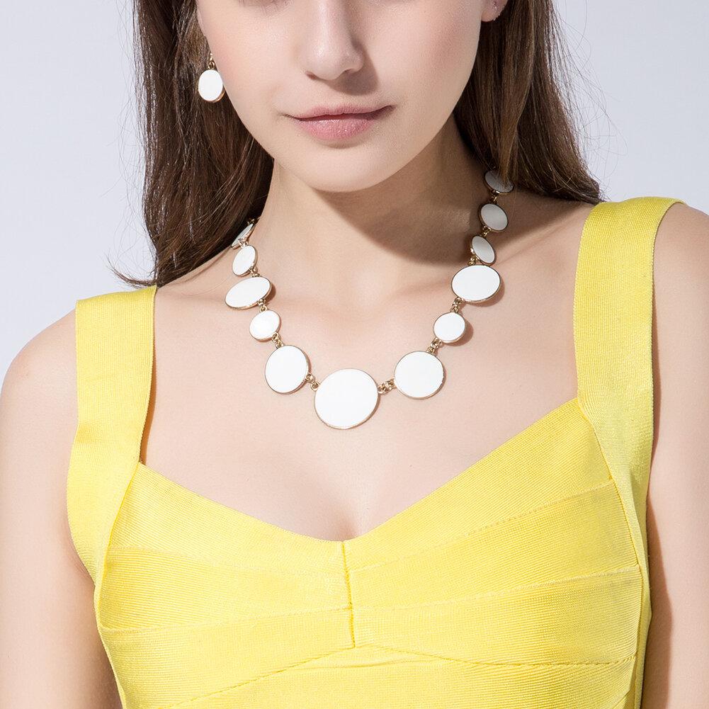 Ensemble de bijoux en alliage simple en alliage blanc rond en élastique Nouveau style pour les femmes