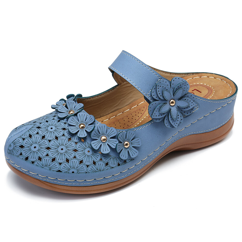 6775c4b02 lostisy flowers pattern hollow out soft sole sandals at Banggood
