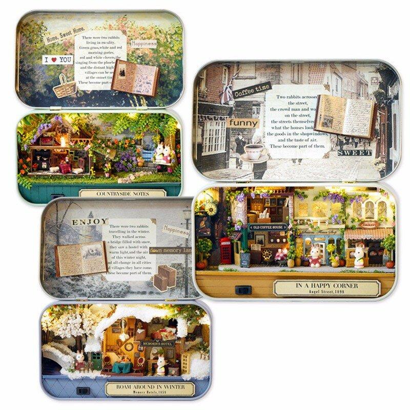 Cuteroom Vieux Temps Trilogie DIY Boîte Théâtre Maison De Poupée Miniature Boîte De Poupée Maison De Poupée Avec LED Lumière Extra Cadeau