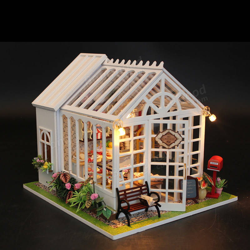 Hoomeda M028 Cake Shop House Diy Dollhouse With Music Light Cover