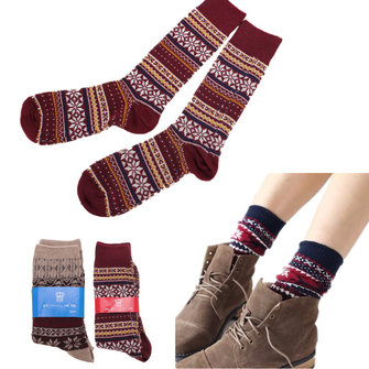 Unisex Men Women Stripe Knitted Cotton Socks Multi-Color Snow Design Casual Long Sock
