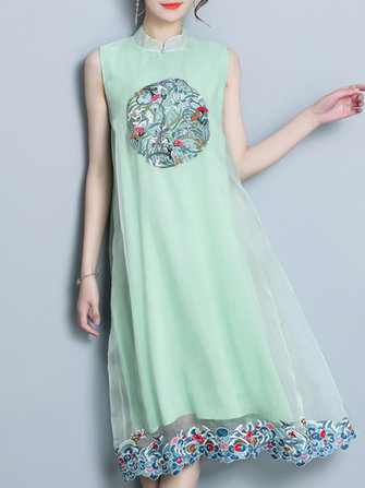 Vintage Embroidery Sleeveless Stand Collar Dress