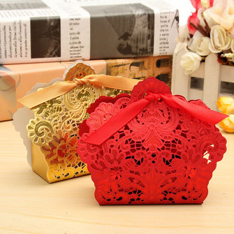 100 Pcs Red Gold Lace Hollow Out Paper Candy Boxes Wedding Favors Sweets Bags Table Decoration
