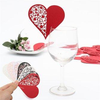 50Pcs Coração Laser Cut Pearlescent Paper Nome do casamento Placas do lugar Vinho Vidro Acessórios para festa
