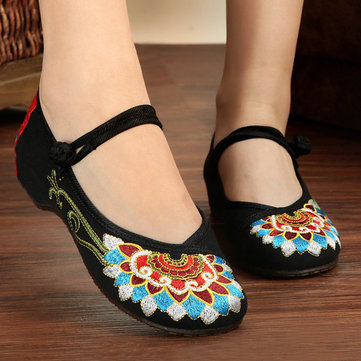 Flower Chinese Embroidered Buckle Shoes