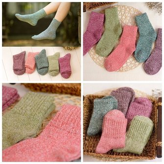 Unisex Men Women Cotton Harajuku Style Knitting Multi-Color Mid Calf Socks Hosiery