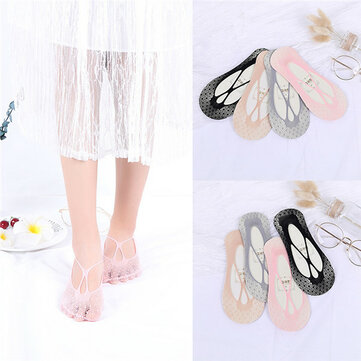 Non Slip Breathable Low-Cut Ankle Socks Hollow Out Cute Boat