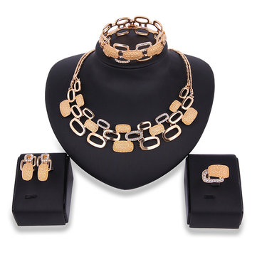 Luxury Oval Hollow Rhinestone Necklace Earrins Ring Bracelet Jewelry Set