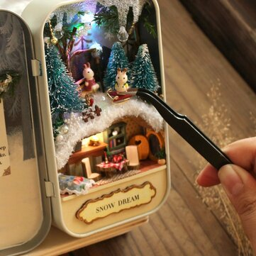 Coutoom DIY Dollhouse Miniature LED ضوء Box Theatre Gift Decor Collection