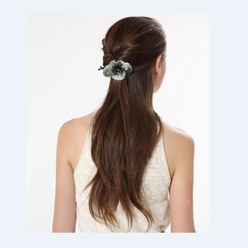 Trendy Style Crystal Twist Flower Shape Clip Hair Accessory