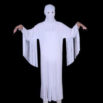 할로윈 유령 의상과 들쭉날쭉 한 흰색 모자